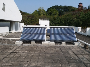 gallery/太陽能熱水系統_solar water heating system002